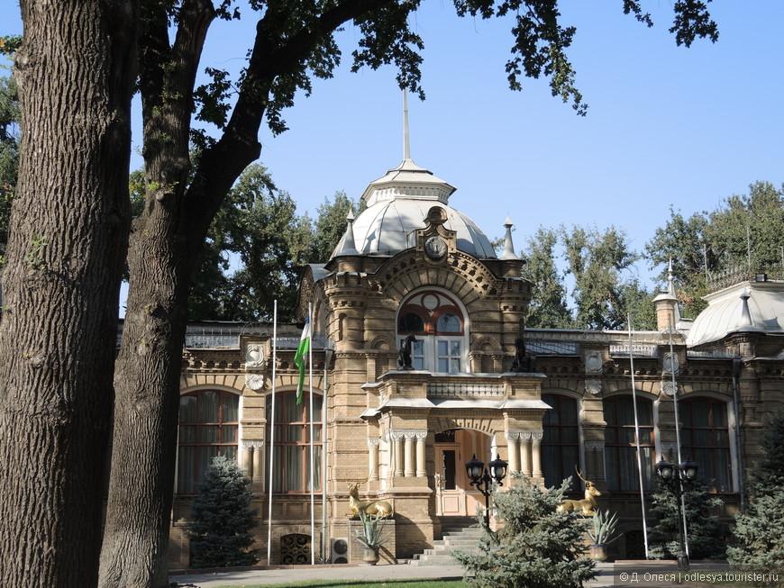 бывшая резиденция князя Романова в стиле модерн
