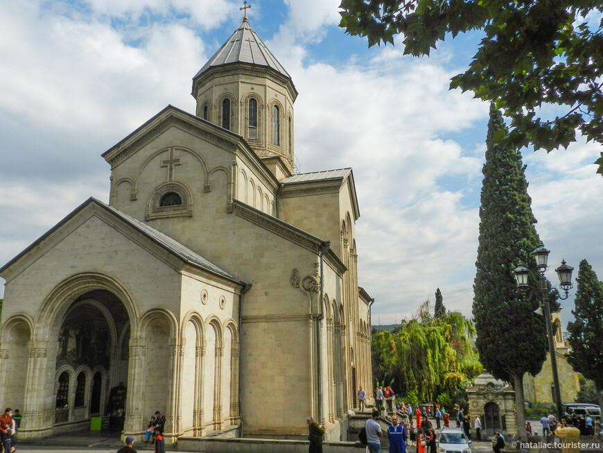 Церковь Кашвети на проспекте Руставели.