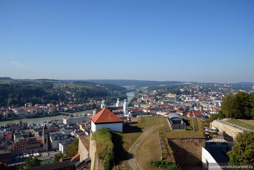 В 1217 году епископ Ульрих, получив от императора Фридриха II титул имперского князя, начал строительство крепости. В ней князья-епископы могли «пересидеть» народные восстания, которые периодически вспыхивали против них, как например, в 1367 году.