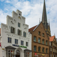 На рыночной площади датская архитектура преобладает