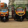 Празднично украшенные рикши в Мурдешваре, в дни Дивали