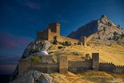 В Судаке обрушилась часть Генуэзской крепости