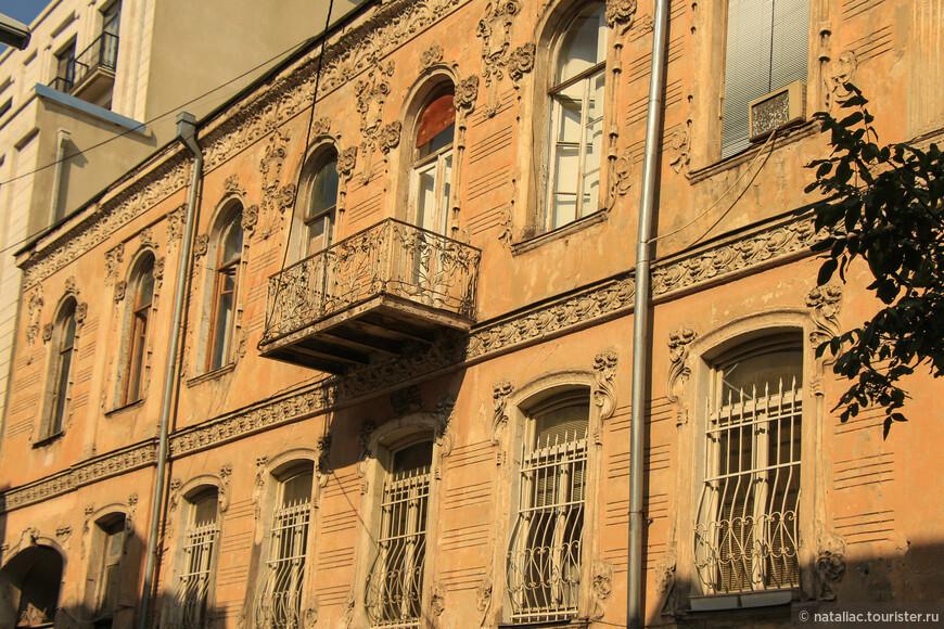Улица Ингороква, сколько она скрывает замечательных особняков, но они требуют внимания-реставрации!!