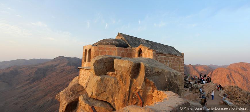 Храм на вершине горы Моисея