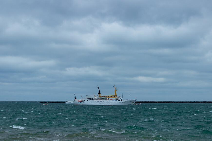 Путешествие на корабле займет 2-3 часа, в зависимости от места отправления
