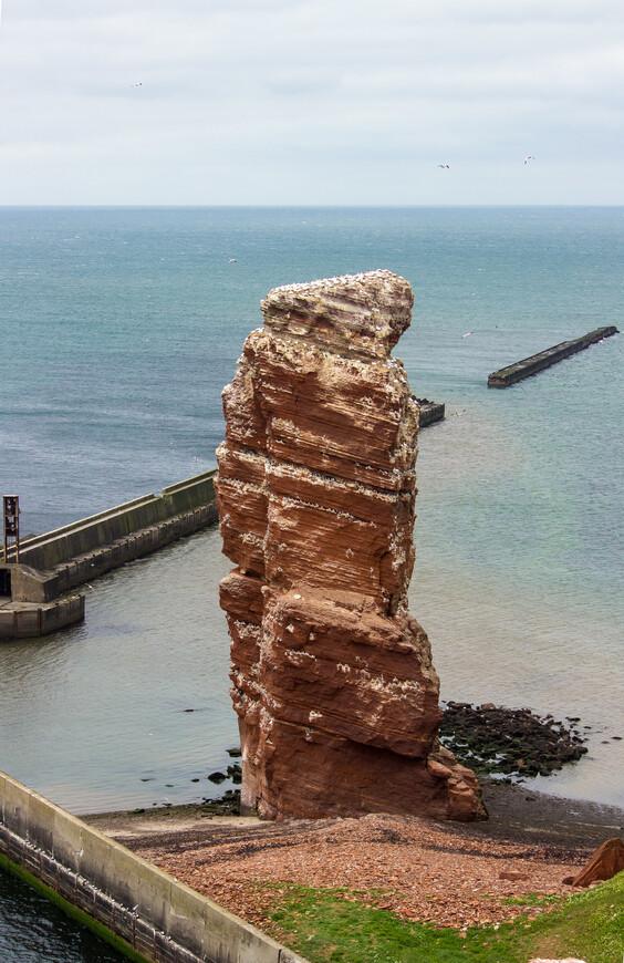 Эта скала называется Длинная Анна, говорят, в память об особо высокой официантке