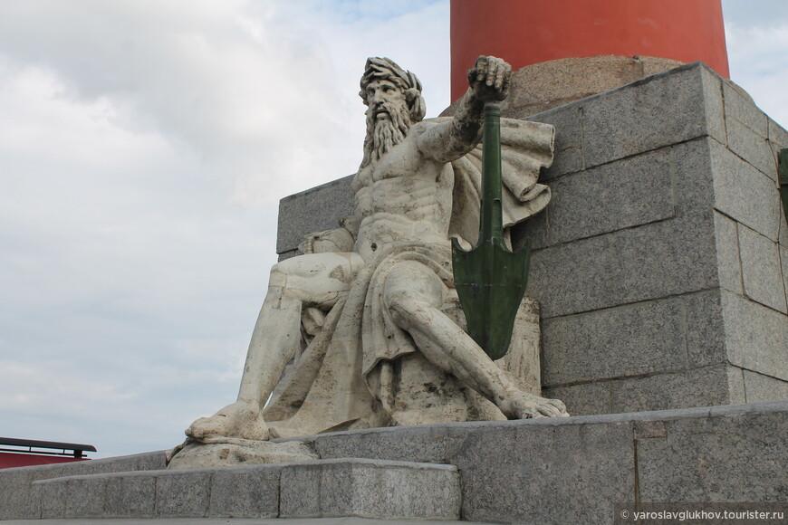 Статуя Днепра. Теперь я показал все 4 статуи, посвящённые рекам.