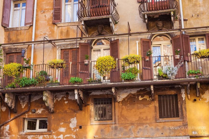 средневековый балкончик