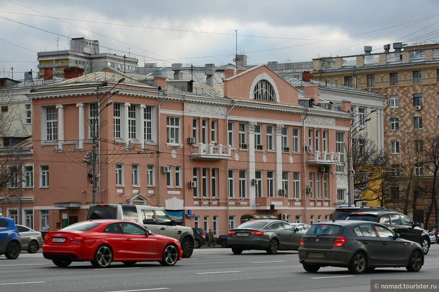 Доходный дом У. М. Сарухановой, Новинский бр, 22