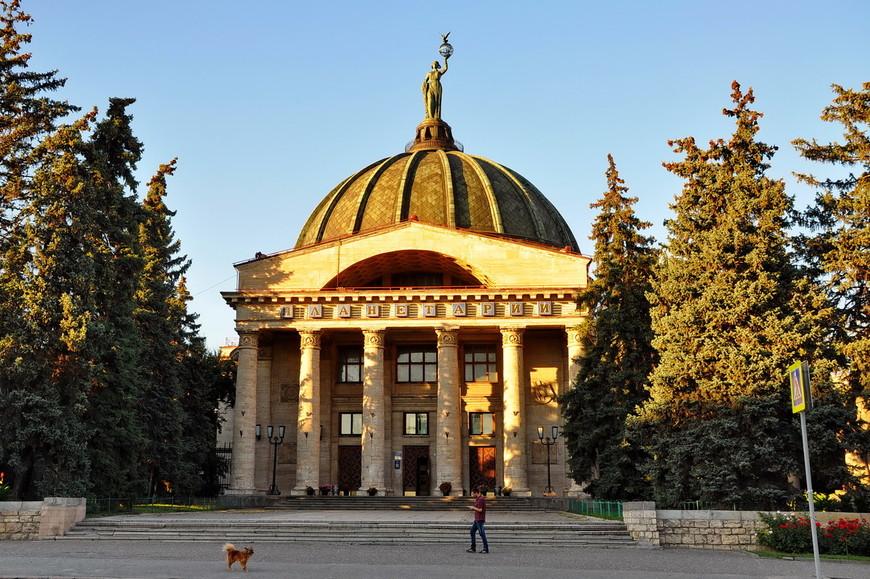 17. Немецкие рабочие пожелали, чтобы звёздный дом был построен в городе мировой славы — Сталинграде.
