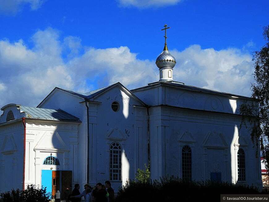 Церковь Николая Чудотворца в городе Касли – это небольшой зимний храм, расположенный в центральной части Касли рядом с Вознесенской церковью.