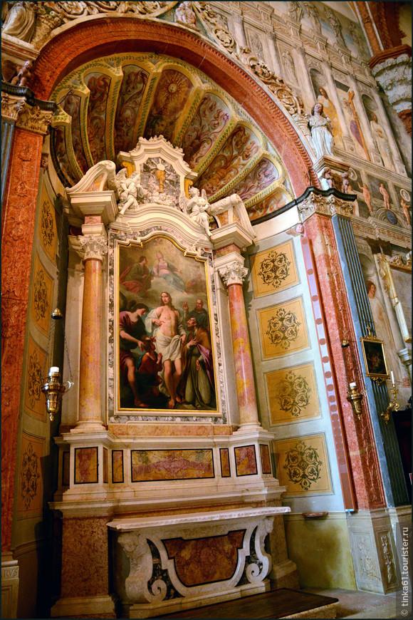 В соборе можно увидеть уникальные шедевры  эпохи Возрождения.