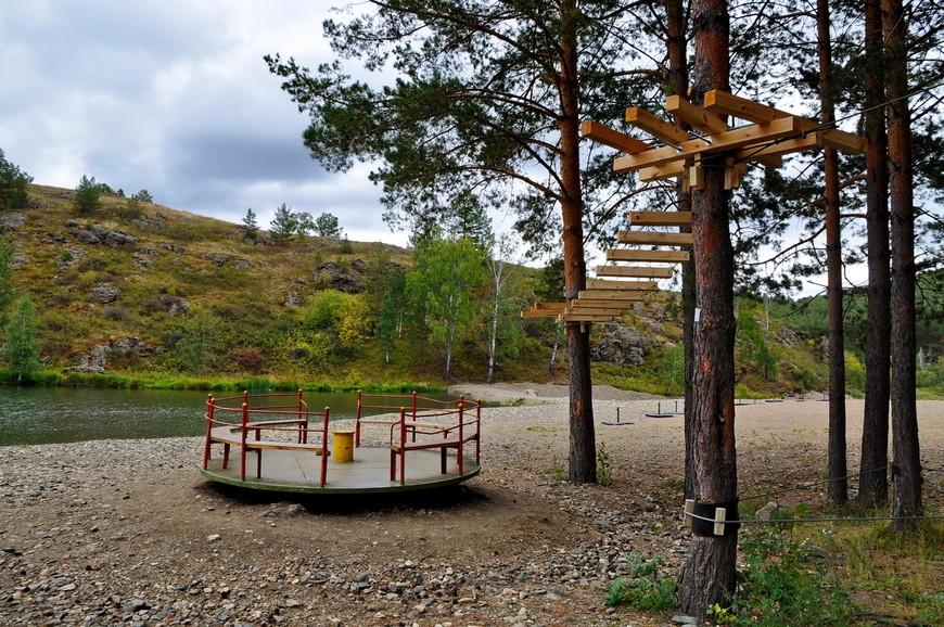 38. В этом году начали монтировать парк с «тарзанками». Отличная идея, во многих городах России они очень популярны.