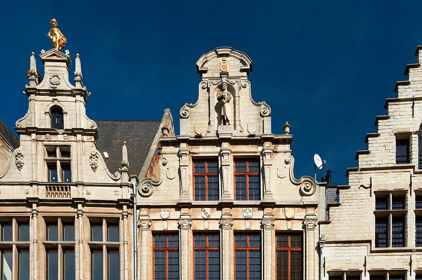 Антверпен, восстановленные фасады старинных зданий