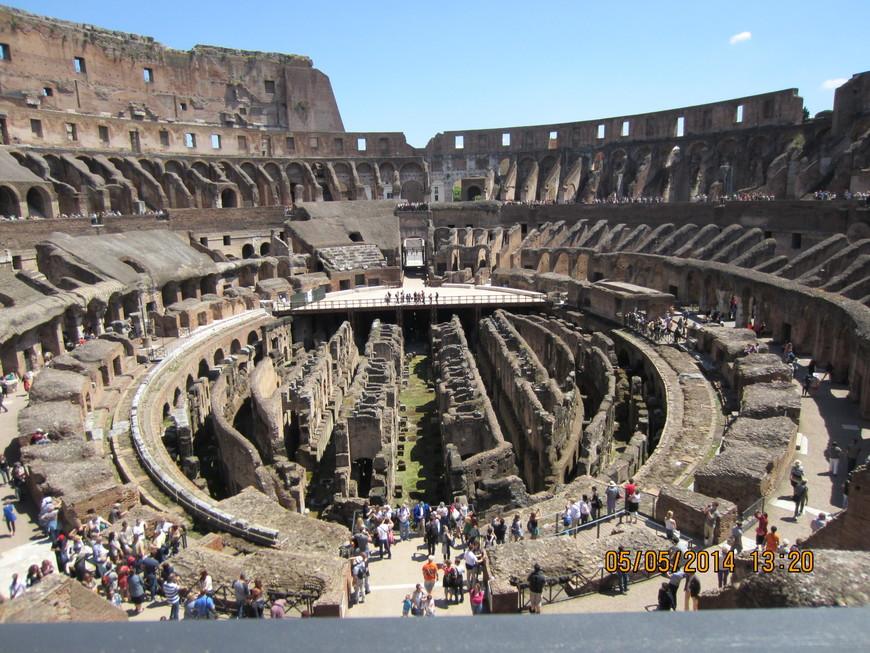 Посетили Колизей. Очень впечатляет, особенно как подумаешь в каком веке это построено.