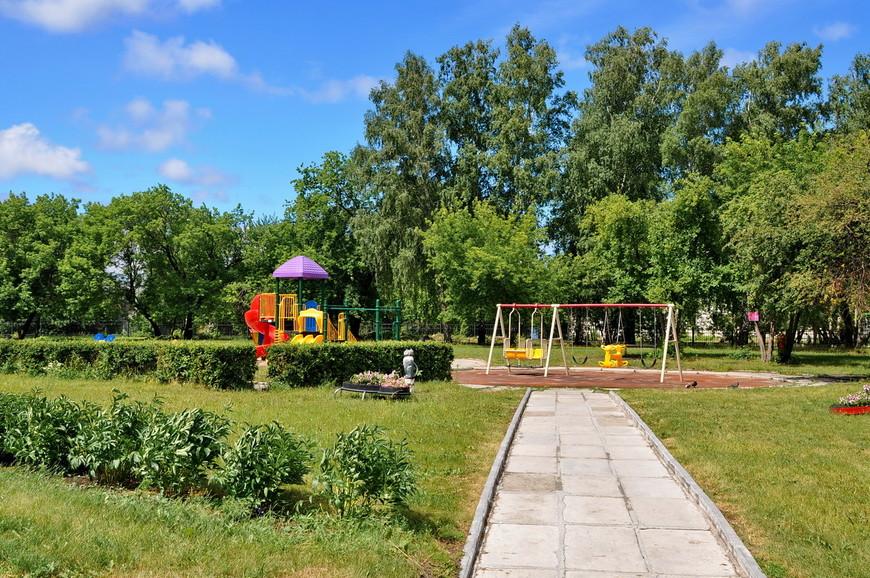 12. Детская площадка. Кстати, вход на территорию центра абсолютно свободный. И это один из самых приятных парков (да и вообще мест) в Кургане.
