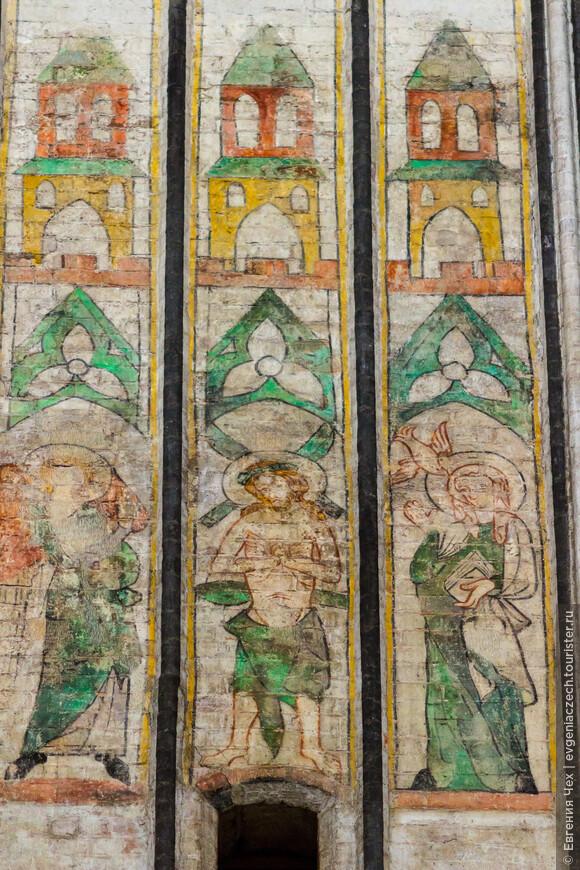 После реставрации 50х годов стали доступны оригиналы 14 века