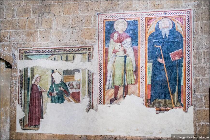 хорошо, что последние реставраторы не стали вмешиваться в воспроизведение (дорисовывание) фресок. Это сохраняет атмосферу истории и подлинности