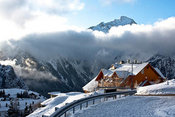 Aviasales: горнолыжные курорты России в два раза дешевле альпийских