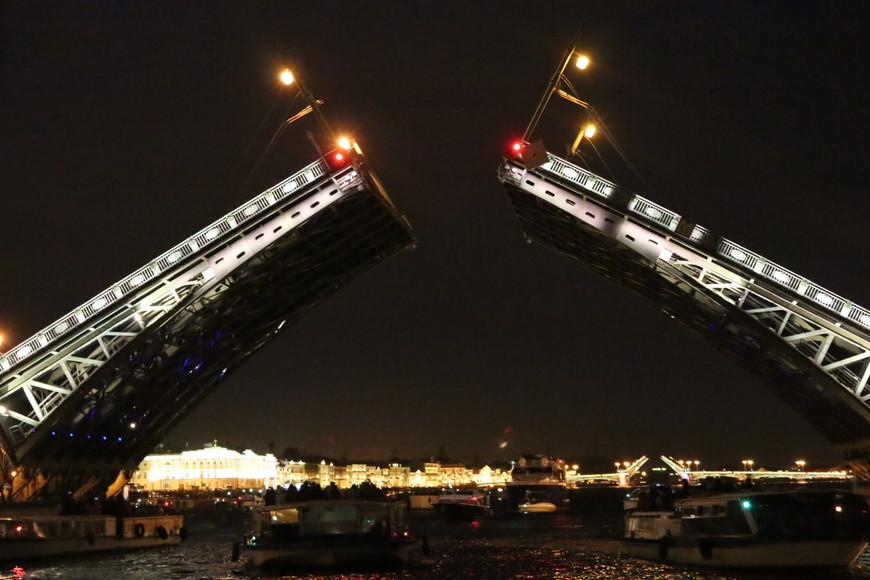Ночной Санкт-Петербург еще красивей, чем днем,