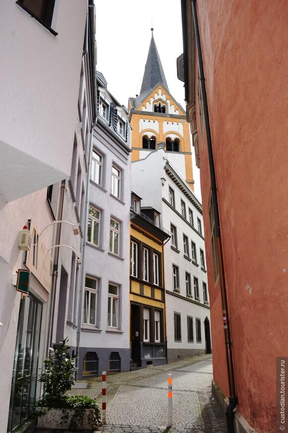 уютные переулки в старом городе