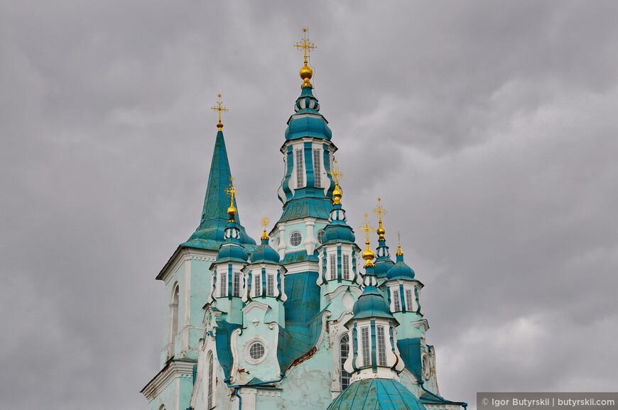 39. Церковь, по моему личному мнению, является самой красивой в своем стиле. Особенно удивляет ее нахождение в небольшой деревне.