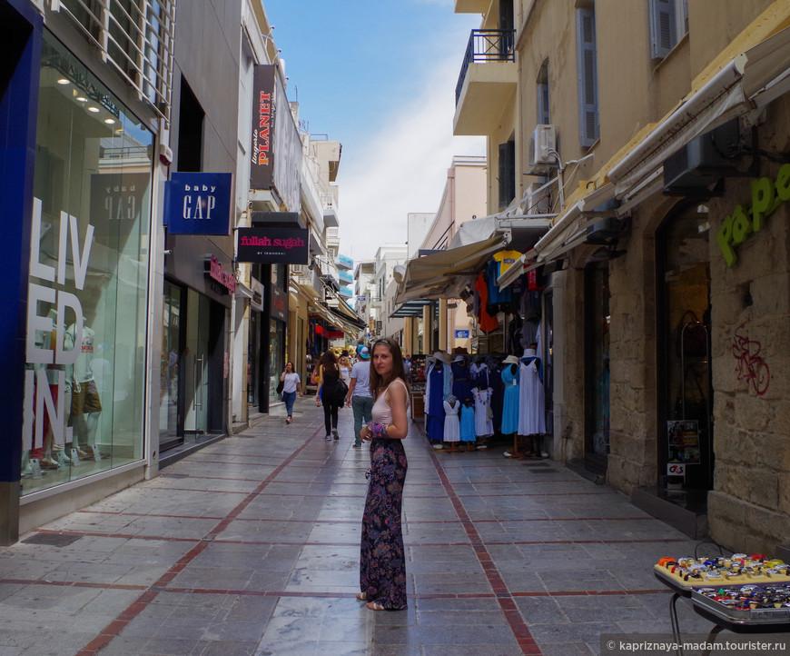Прогулка по центральным улочкам Ираклиона - столицы Крита.