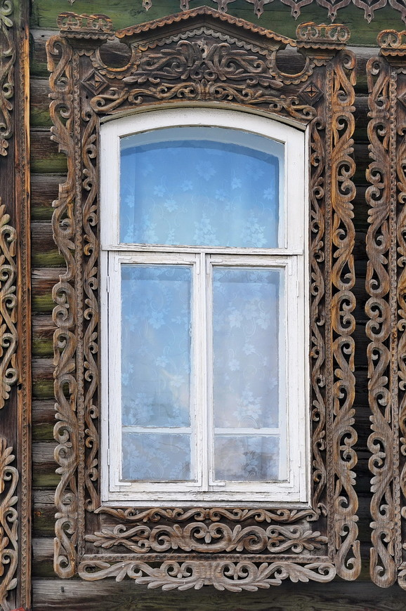 21. Деревянные окна выглядят очень здорово, в разы лучше пластиковых.