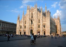 Легендарный  миланский Дуомо, главный готический собор Италии.