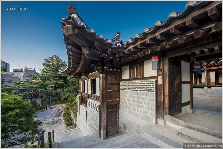 Интересные традиционные крыши. Для кровли традиционных домом в Корее использовали плитку, гальку, рисовую солому, кору дуба. Мы еще побываем в деревне с соломенными крышами.