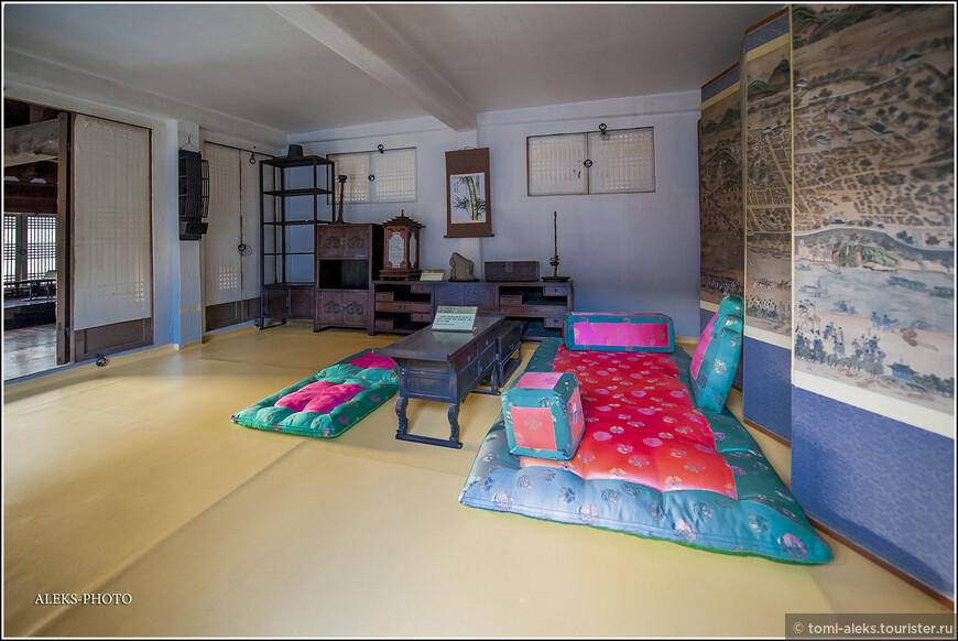 Эстетика восточных жилищ, конечно, далека от нашего образа жизни...