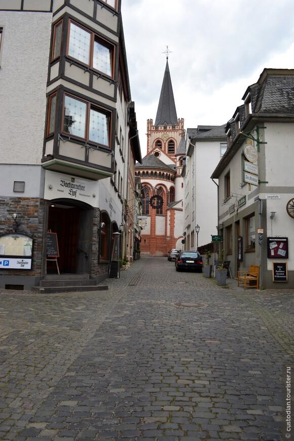 Церковь Св.Петра, строительство - с начала XII века и по XV век