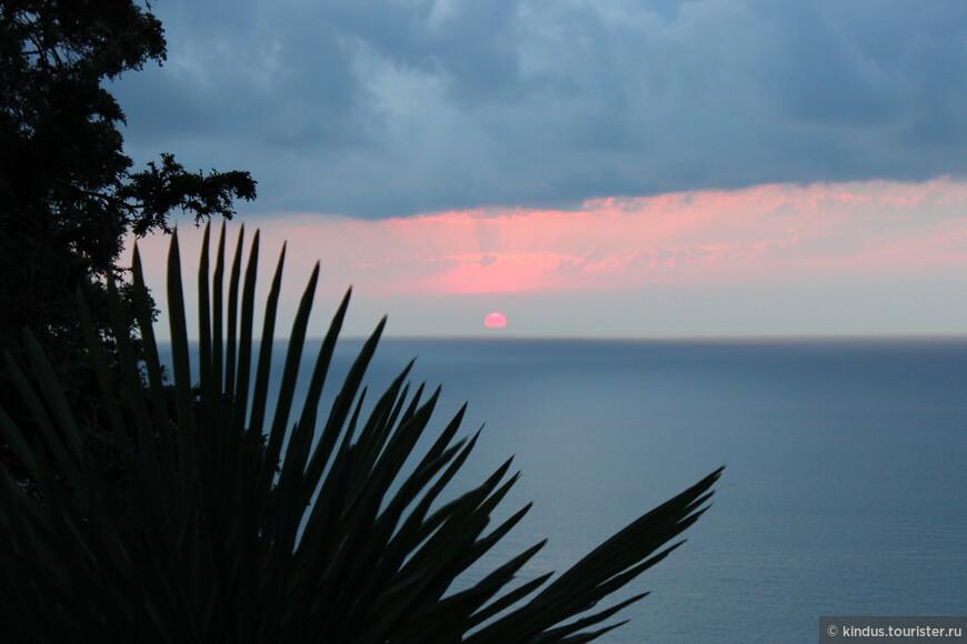 Солнце вот-вот упадёт в море