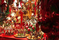 В Омске предложили оформить загранпаспорт на новогодней ярмарке