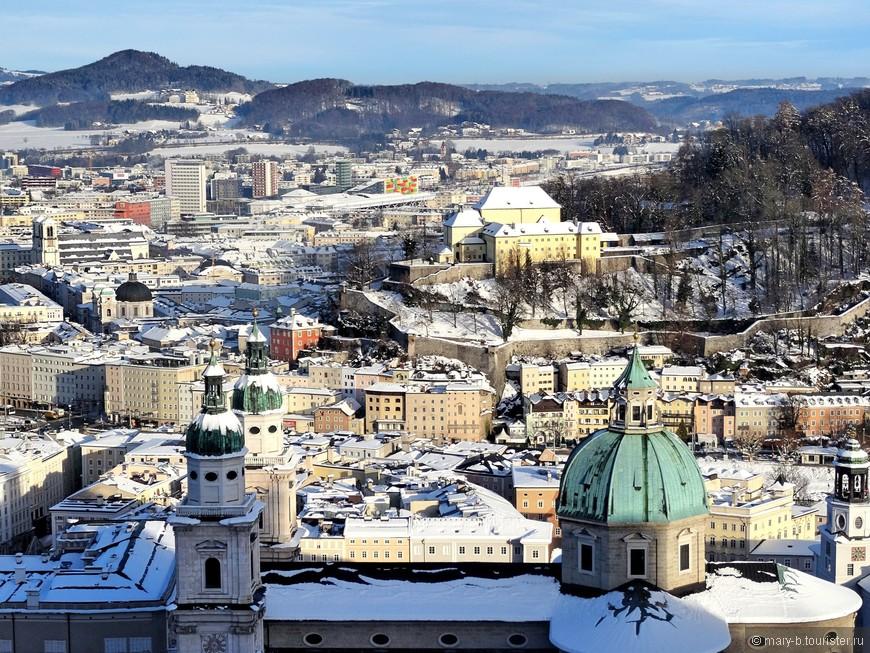 Вид, открывающийся на город со стен крепости  - must see, если вдруг окажетесь в Зальцбурге.