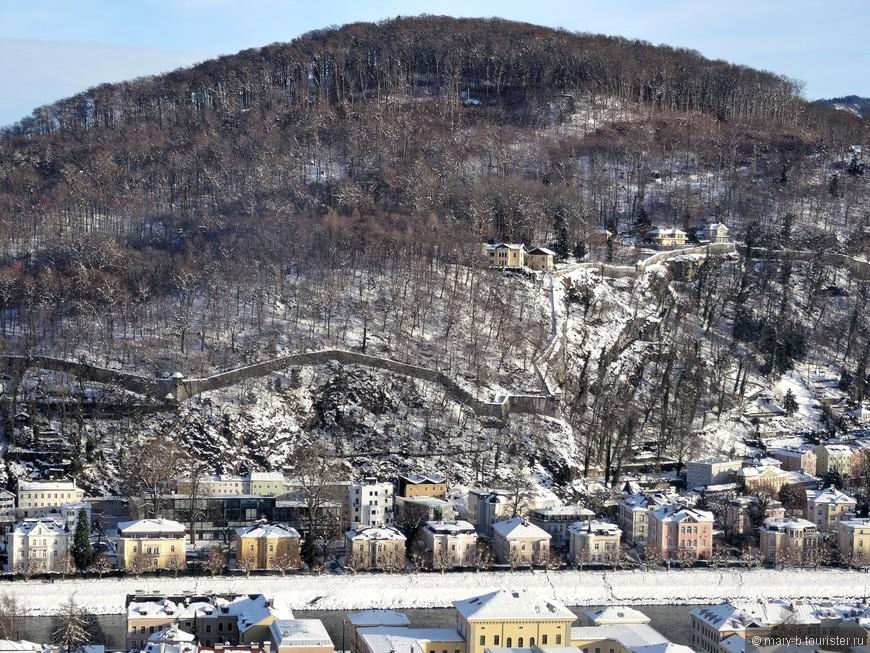 Гора Капуцинерберг своим названием обязана монастырю ордена капуцинов, действующему и по сей день.