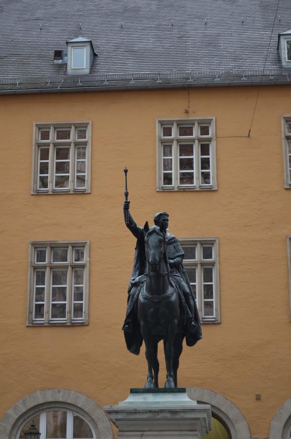 Памятник Людвигу 1