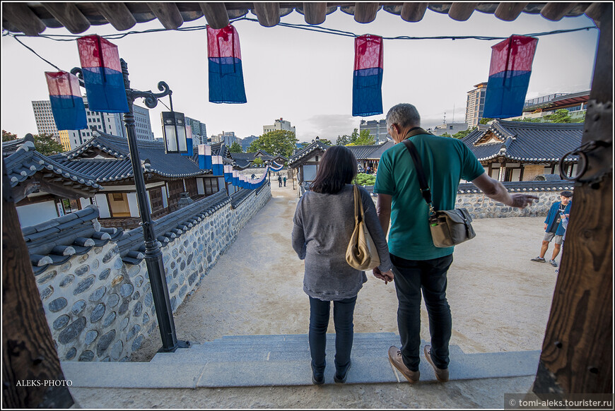Люди с западным типом мышления с большим интересом рассматривают детали корейской жизни, подмечая что-то такое, чему стоило бы у азиатов поучиться...