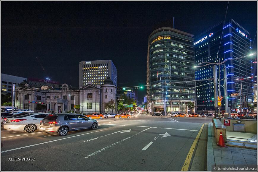 Вечерний Сеул. Город все-таки, под каким ракурсом его не рассматривай, остается современным мегаполисом с 10-миллионным населением и 25 районами.