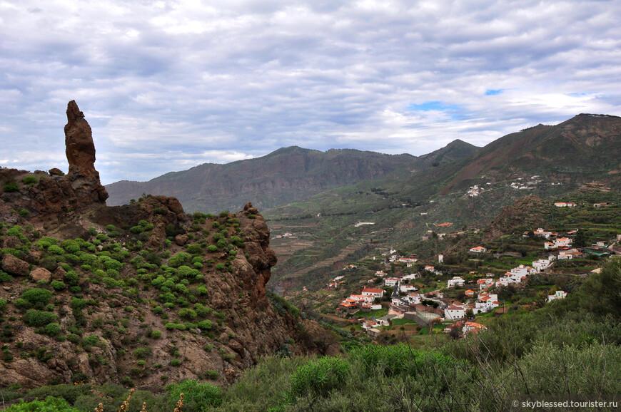 Я вышла на остановке La Culata и оттуда начала подъем в гору. Последний автобус назад был примерно в 17:17, старалась успеть на него