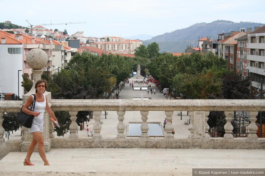 Вид на город со второй (снизу) таррасы