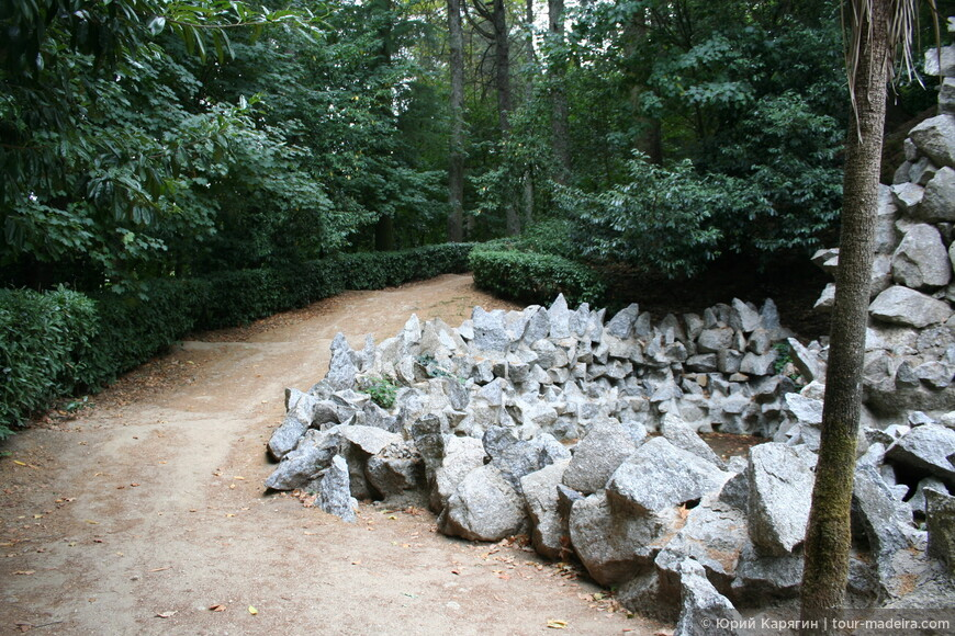 """Выход в парк от """"пещеры дракона"""""""