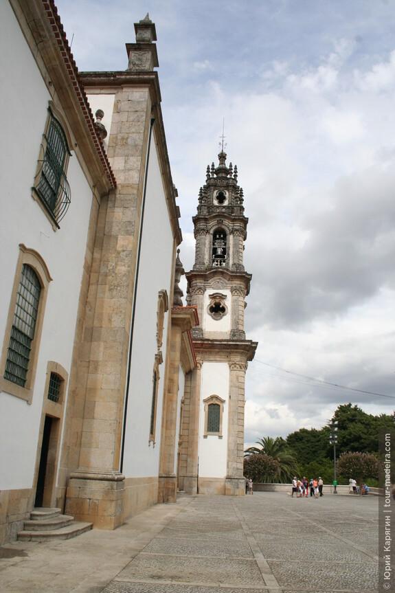 Храм Богоматери Исцеляющей - боковые колокольни