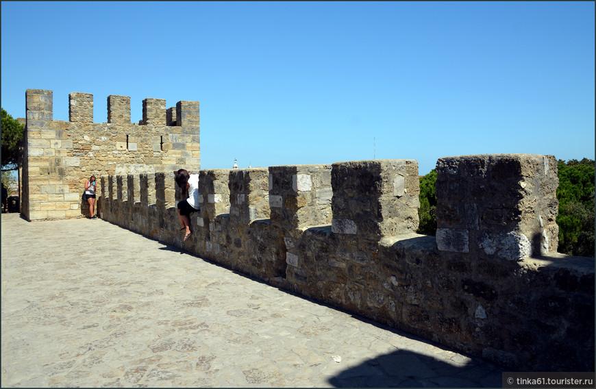 Фото сессия на стенах замка -  маст ду в Лиссабоне.