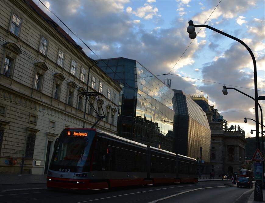 Народный театр и народный транспорт