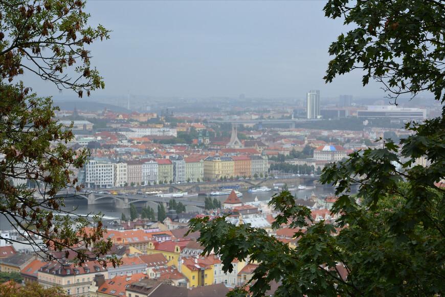 Еще одна высота города, с которой открывается чудесный вид - Петршинский холм.