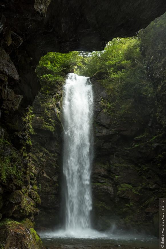 Водопад круто! Самый большой что видели в Абхазии. Все что там показывают туристам по дороге на Рицу - как то блекнет на фоне этого водопада!