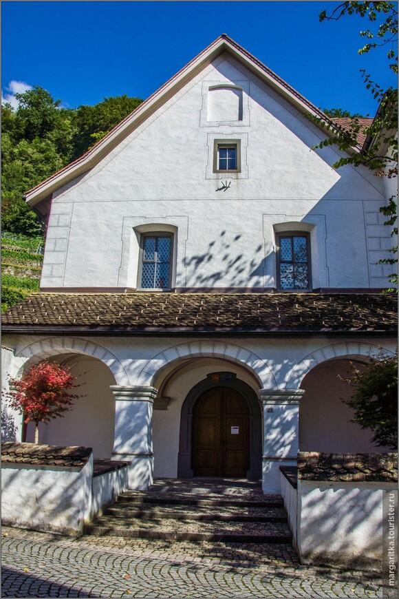 Церковь и монастырский пансион открыты для общественности. А другие участки монастыря являются закрытой областью для частной жизни монахинь и их уединенного молитвенного труда. Все здания монастыря были отреставрированы в 2005 г