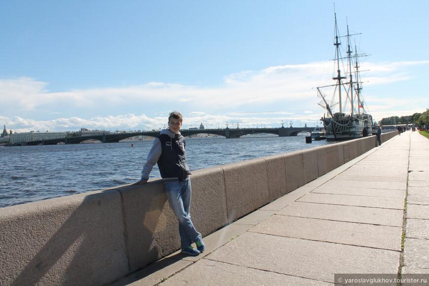 На Петровской набережной очень интересно!