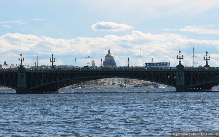 Троицкий мост и Исаакиевский собор.